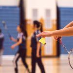 Køb det rigtige badmintontøj og udstyr